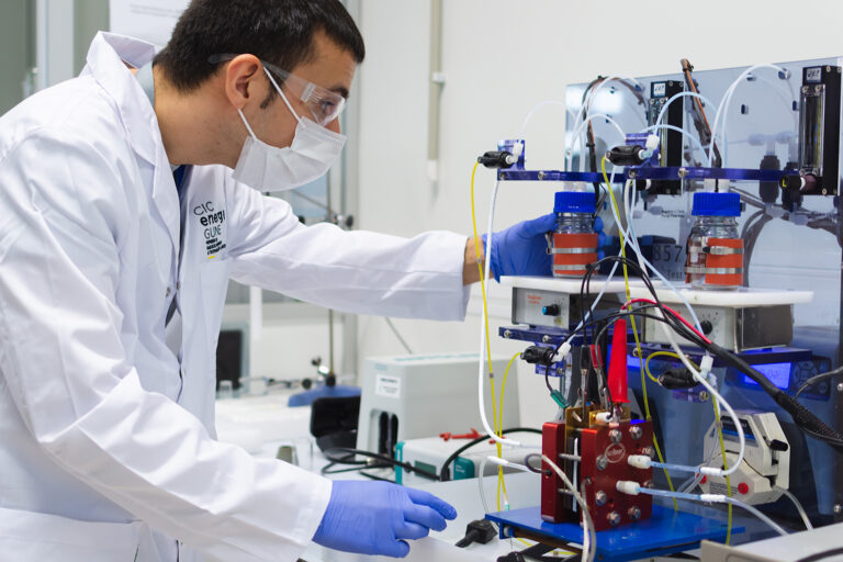 CIC energiGUNE, new materials for stationary energy storage applications