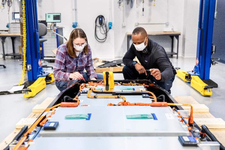 Ford accelerates battery R&D with dedicated team and new global battery center of excellence