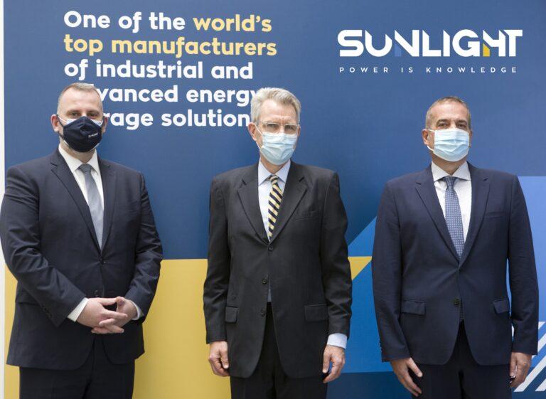 Sunlight welcomes U.S. Ambassador to Greece Geoffrey R. Pyatt in Athens headquarters