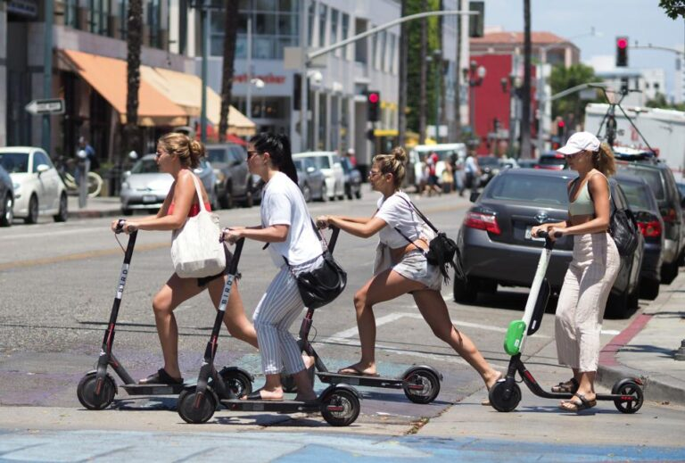 Micromobility sharing underpinning city mobility networks