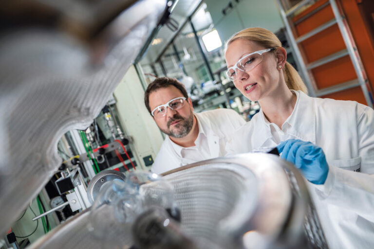 BASF and Porsche partner to develop high-performing lithium-ion battery for electric vehicles